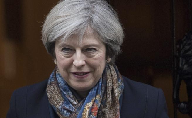 """Мей надделя в парламента, """"Брекзит"""" остава на 29 март"""