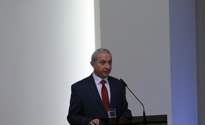 Служебният кабинет може да направи много за България