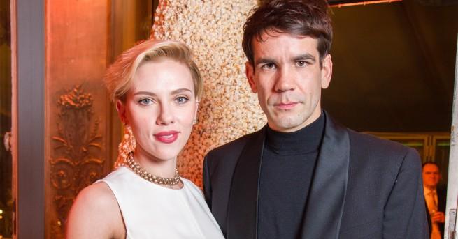 32-годишната актриса Скарлет Йохансон и съпругът й журналист Роман Дориак