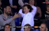 Детска еуфория след тройка на Везенков в Евролигата