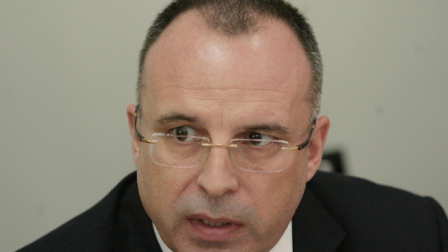 Румен Порожанов подаде оставка, няма кой да я приеме