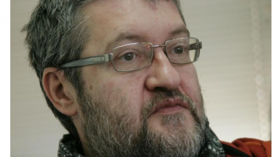 """Комарницки: """"Придобивките"""" на демокрацията не са ни дадени веднъж завинаги"""