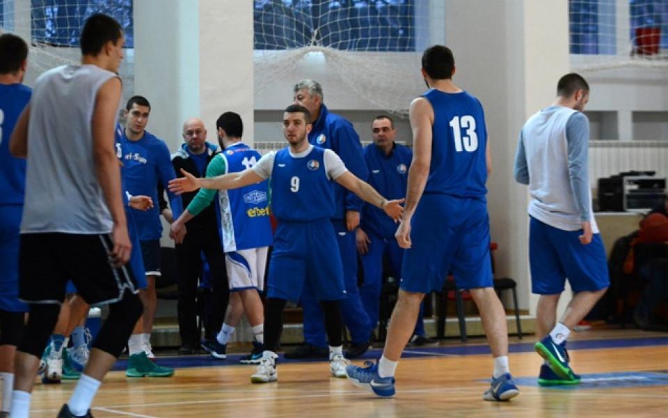 Звезди събират средства за баскетболна зала