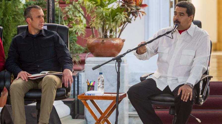 Тарек ел Аисами (вляво) с президента Мадуро