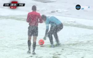 Плажен... не, снежен футбол с Георги Петков