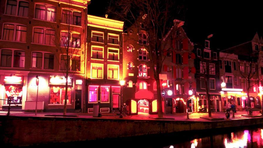 Кварталът на Червените фенери в Амстердам