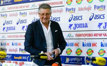 Иван Василев обяви новите попълнения в Локо Сф