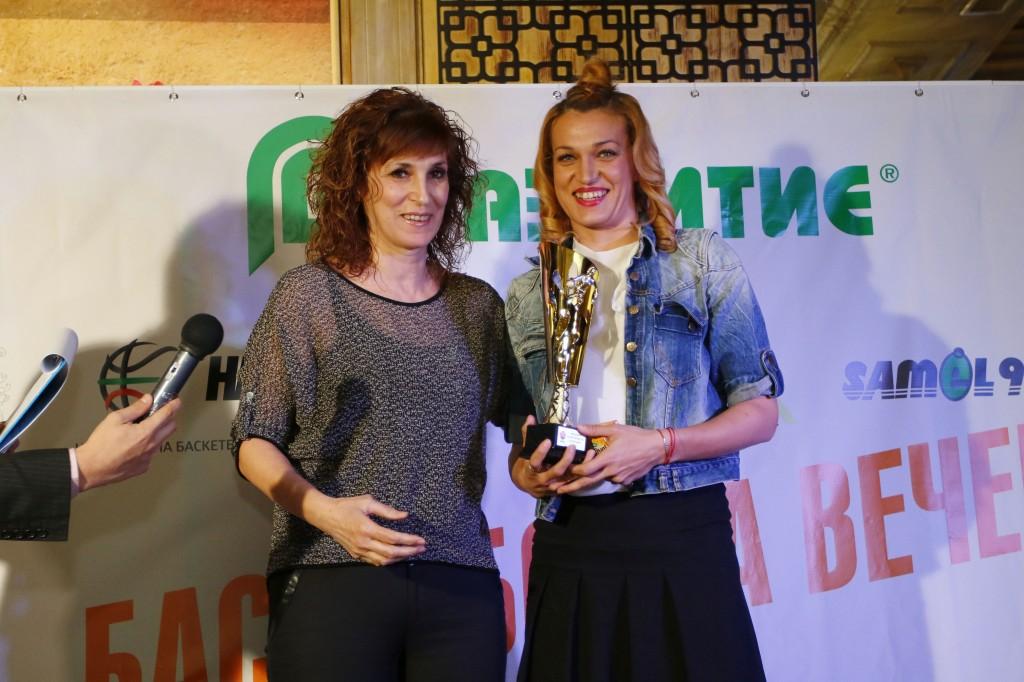 Радостина Димитрова и Борислава Христова номер 1 при баскетболистките<strong> източник: LAP.bg, Агнес Методиева</strong>