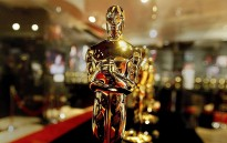Ексклузивно включване от червения килим на Оскарите