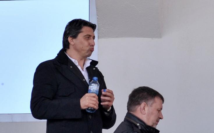 Ядосаният Боримиров се сопна на Адениджи и играчите