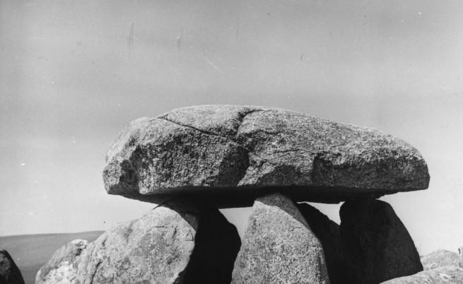 Археолози откриха загадъчен долмен в Галилея
