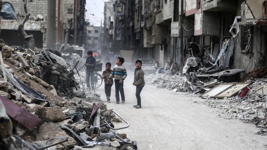 Ужасът в Сирия: 12-годишни деца се самоубиват и самонараняват