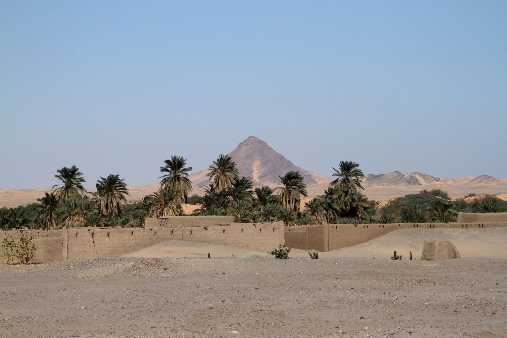 Село в суданска Сахара