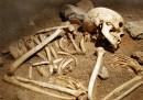 Мъжки скелети на 600 години са открити хванати за ръце