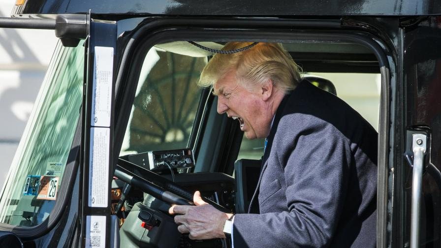 Тръмп е на кормилото на САЩ вече над 100 дни