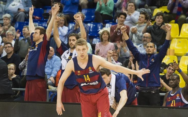 Везенков и Барса се сбогуваха с първенството след драма с Валенсия