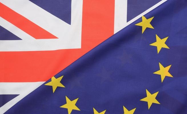 Великобритания се плъзга по нанадолнището