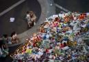 Цветя, в памет на жертвите в Ница.