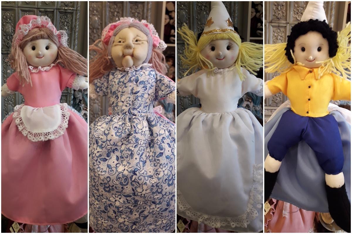 Кукла 4 в 1. Тя е кукла разказвач на приказката за Пепеляшка. В една и съща кукла се крият четирите персонажа - Пепеляшка, злата мащеха, крастницата и красивият принц.