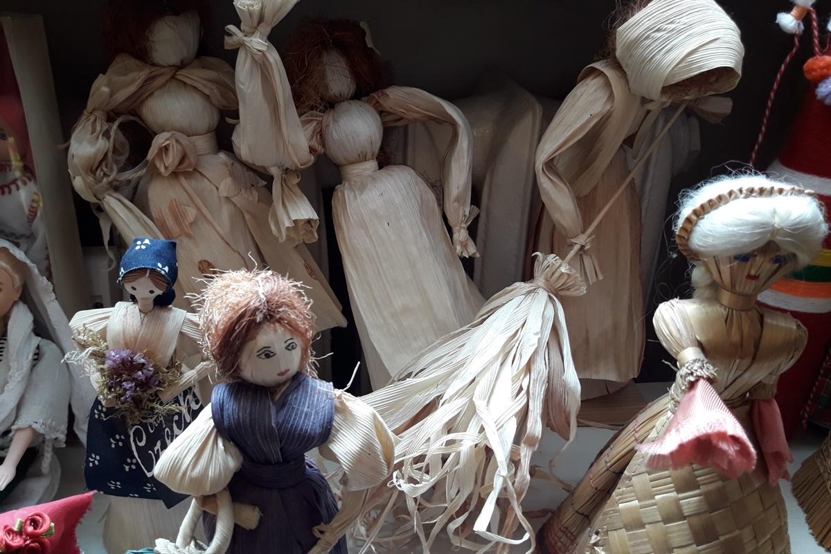 Кукли от царевична шума