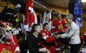 Министър Дашева подкрепи българските хокеисти на Световното в София