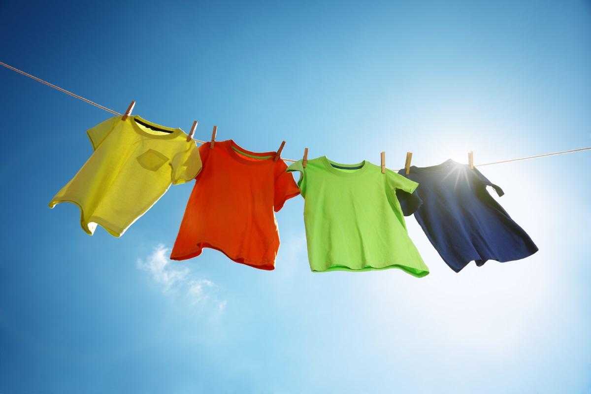 И едно нещо, което не бива да правите днес. Жените не трябва да перат. Според една народна сентенция, ако жената пере на Велики четвъртък, както и ако простира пране, ще предизвика ураганни ветрове, дъжд и градушка.