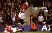 Преди 18 години Гигс съкруши Арсенал с гол-шедьовър