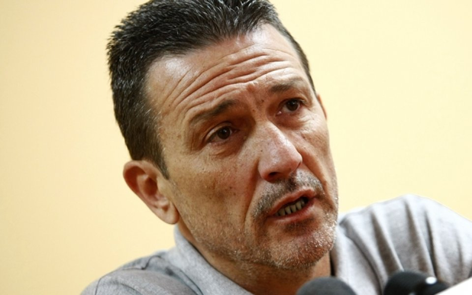 Георги Младенов взе 16 баскетболисти на лагер