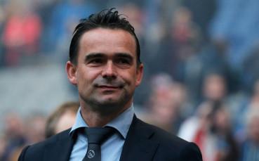 Овермарс започва работа в Арсенал?