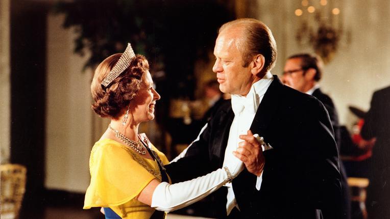 Кралица Елизабет II до 11 президенти на САЩ