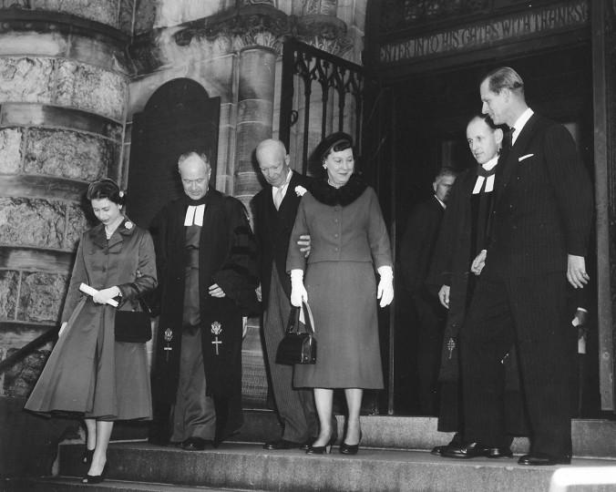 <p>1957 г. - Кралица Елизабет II и Айзенхауър</p>
