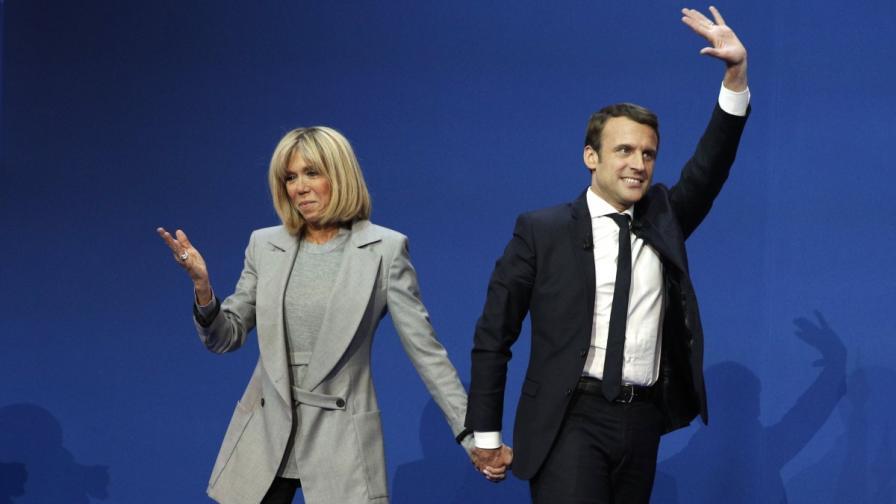 """Шарли ебдо"" осмя Макрон и жена му"