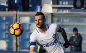 Интер отхвърли офертата на Евертън за хърватски национал