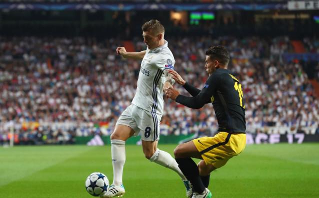 Тони Кроос предизвика сериозно безпокойство в Реал Мадрид, съобщава AS.