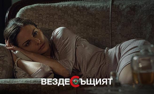 С коя от актрисите Теодора Духовникова има любовна афера във филма?