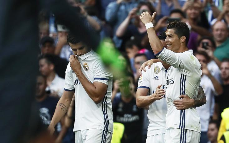 Реал разгроми Севиля, но след дискусионен първи гол