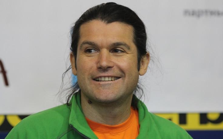 Алпинистът Атанас Скатов се завръща у дома