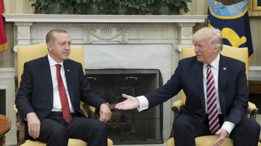 <p>Тръмп след &quot;шамарите&quot;: Ще залича икономиката на Турция, ако...</p>