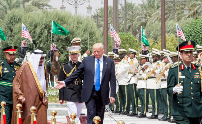 Сделки за милиарди между САЩ и Саудитска Арабия
