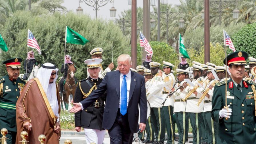 Тръмп сключи най-голямата военна сделка в историята на САЩ