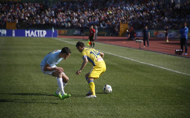 Левски мъчно преплува Дунав и диша във врата на ЦСКА