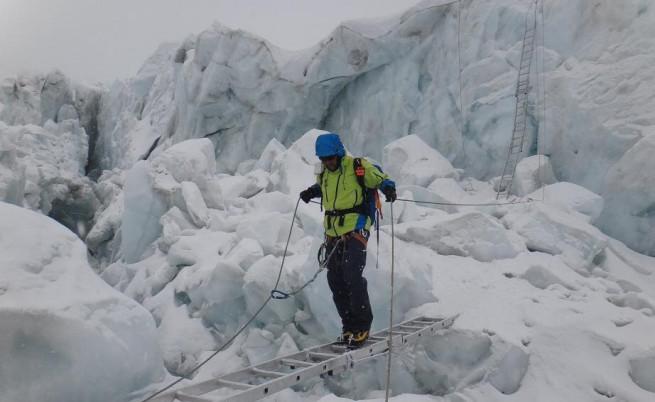 Българин покори Еверест, върхът погуби четирима