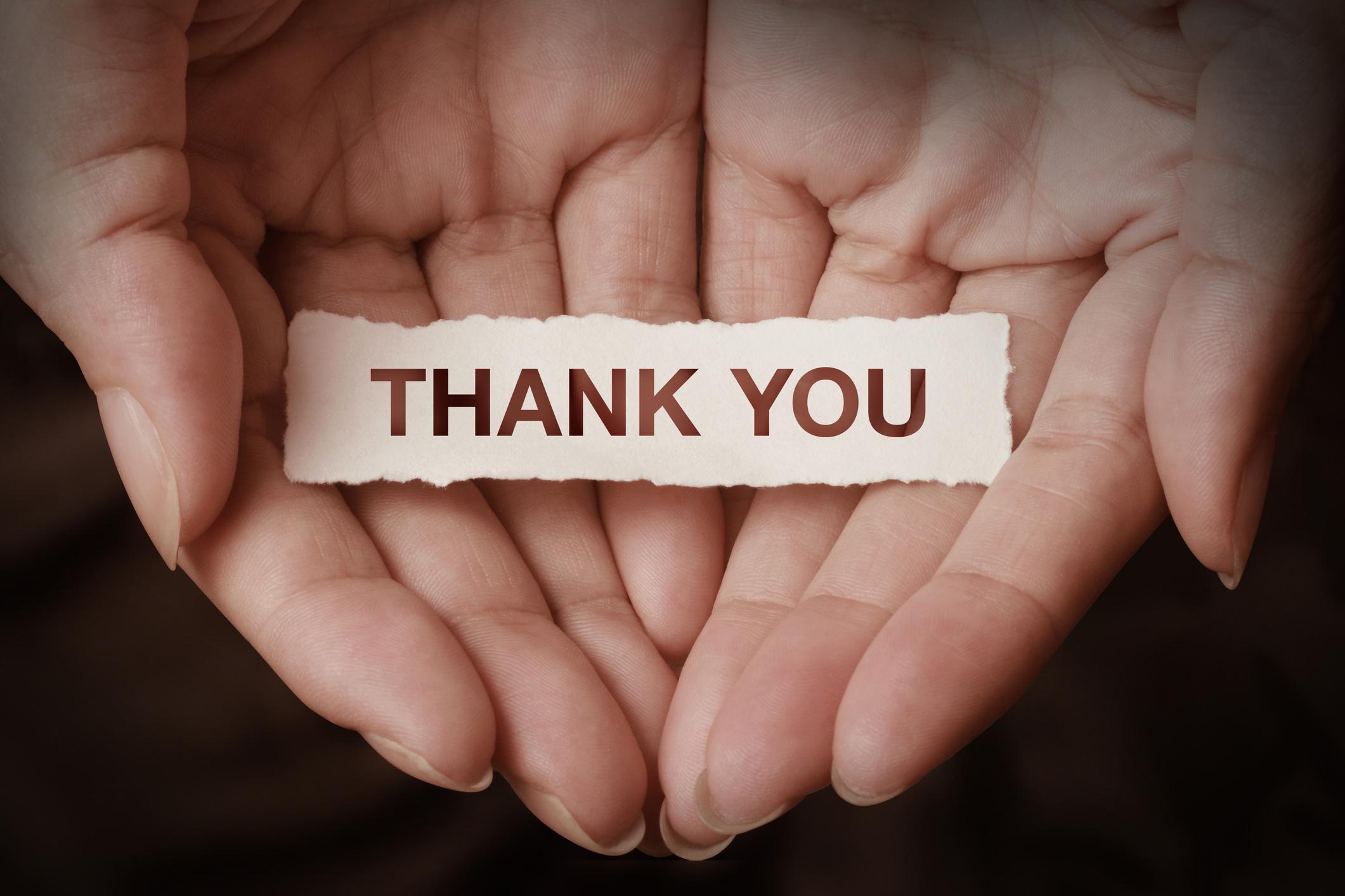 Отделят време да изказват благодарности Благодарността оказва удивителен ефект върху отношенията между хората. Независимо за какво става дума, показвайте своята благодарност към половинката.