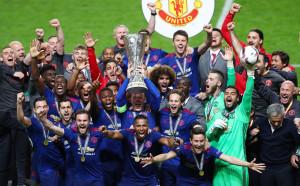 В СНИМКИ: Заслуженият трофей на Юнайтед в ЛЕ