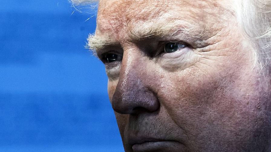 Лидерите на НАТО с надежда да избегнат катастрофата Тръмп