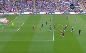 Много, много спорен гол за Арсенал във финала на Уембли