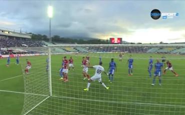 Тотален провал за вратаря на Левски, Симао вкара втори гол