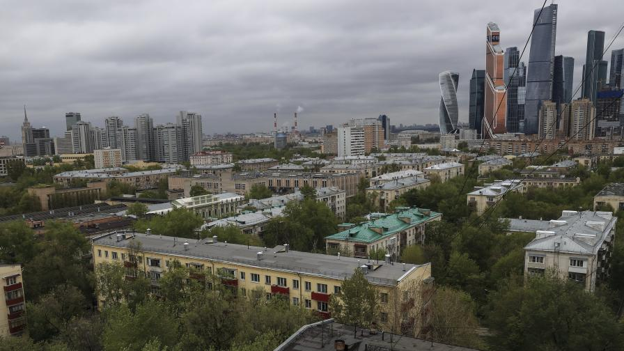 """А ето как """"санират"""" старите блокове в Русия"""