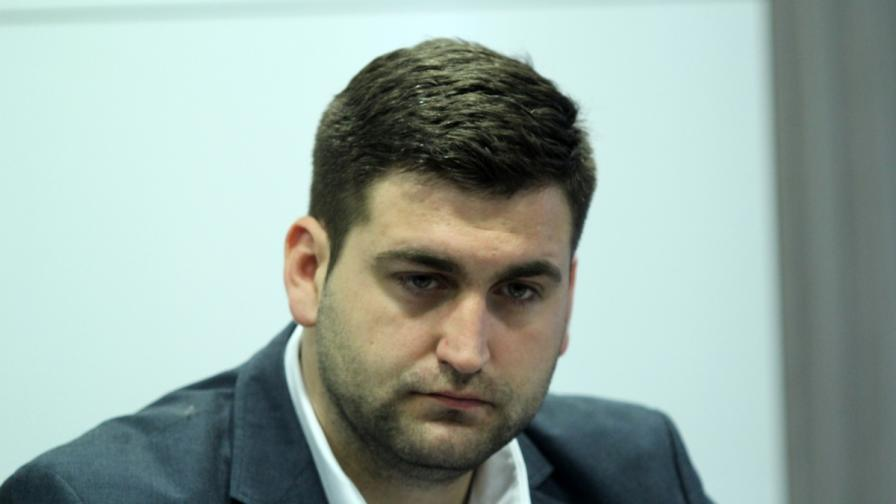 Евродепутат от ГЕРБ вдигна сватба, Цветанов и жена му сред гостите