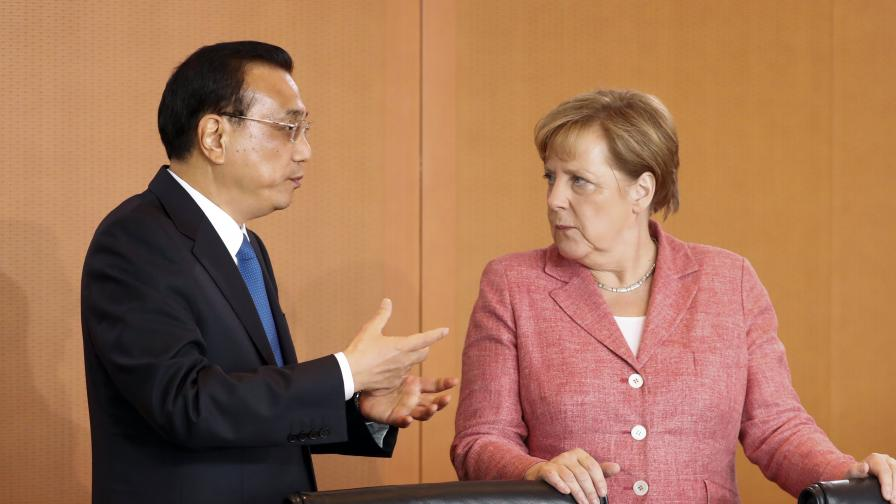 Китайският премиер Ли Къцян и германският канцлер Ангела Меркел